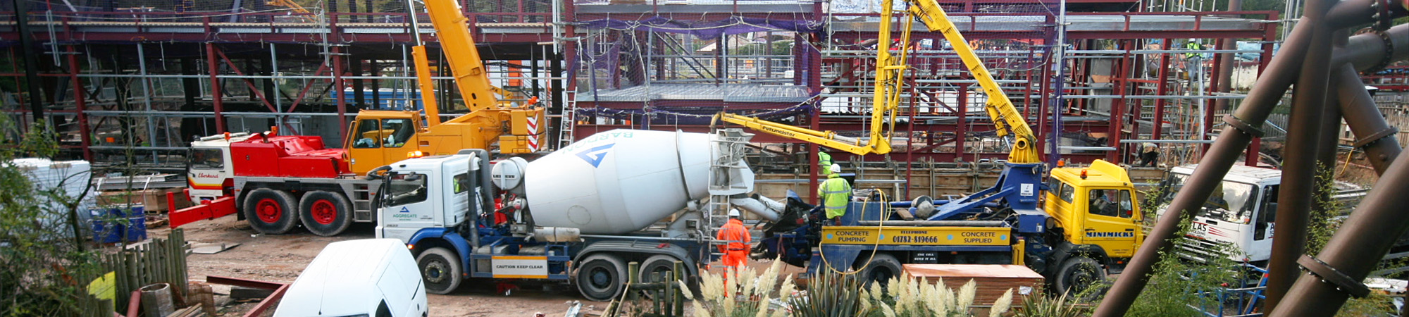 Cement pouring at Th13teen
