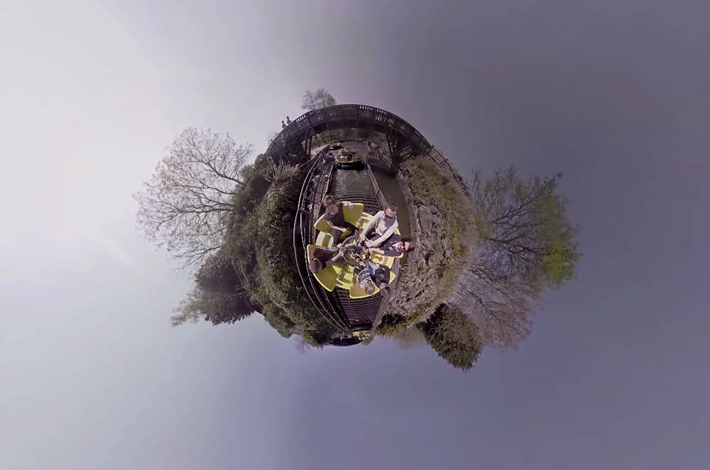 360° video screenshot from the Alton Towers Congo River Rapids