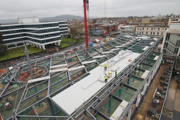 Time-lapse showing construction of aerofoil roof by Kier at Gloucester's new bus station terminal