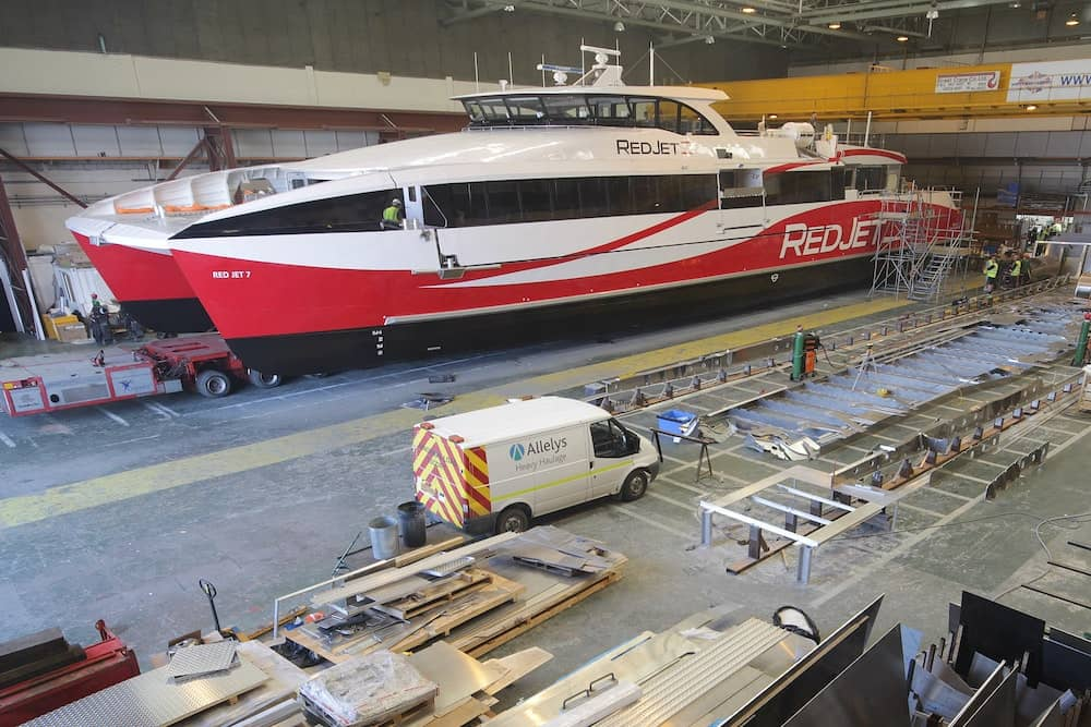 Time-lapse shows 11-month ferry build in just two minutes